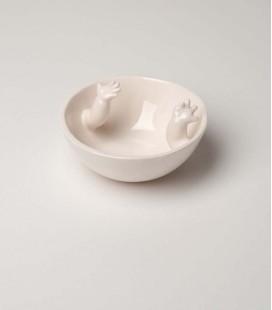 Bol de cerámica con brazos dentro