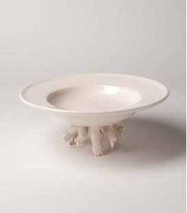 Plato de cerámica grande con brazos fuera