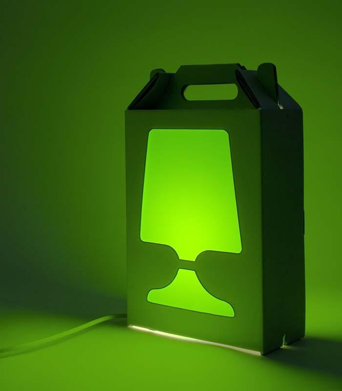 Lampe de table de couleur et recyclable flamp blanche for Lampe de table blanche