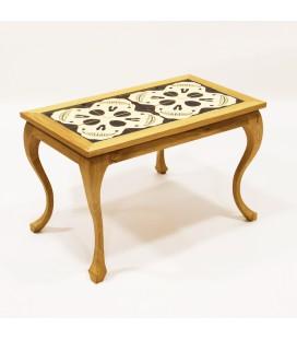 Table basse originale et décalée en céramique - têtes de mort