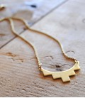 Collier au design contemporain et minimaliste Castell - Arc