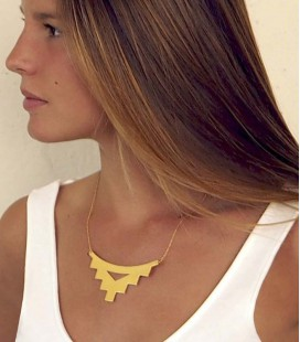 Collier au design contemporain et minimaliste Castell Hole