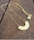 Collier au design contemporain et minimaliste Disc
