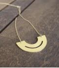 Collier au design contemporain et minimaliste Disc Hole
