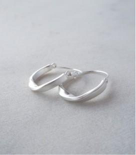 Pendientes de plata de diseño moderno y trabajado a mano TWIST