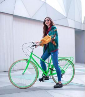 Vélo de ville au design confortable et coloré New Triana