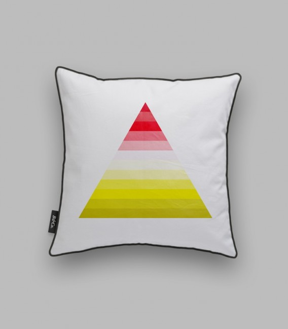 Coussin triangle - rouge, jaune